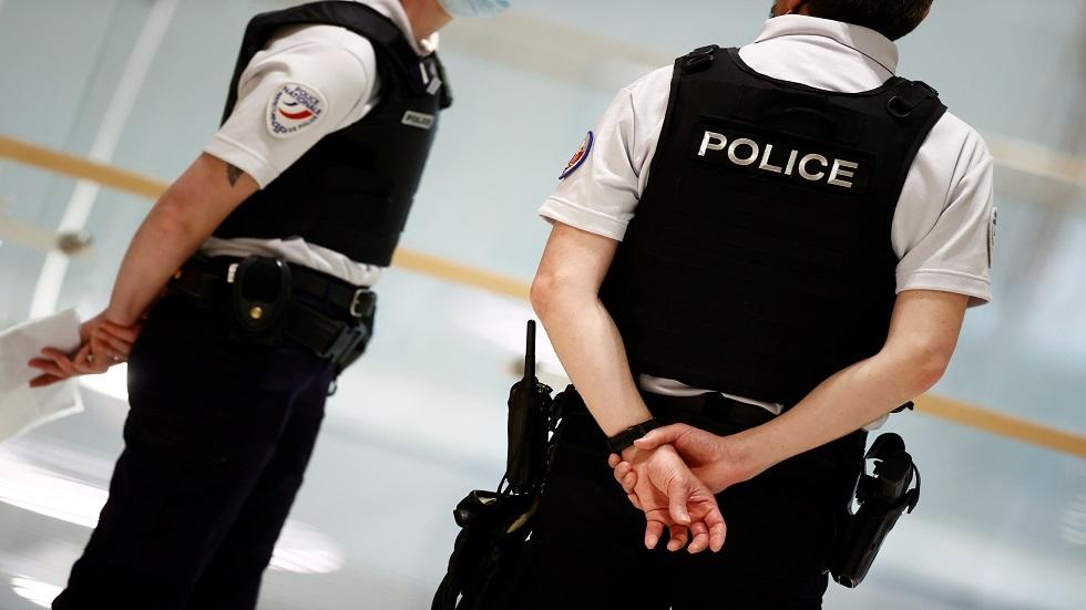 فرنسا.. رجل أمن يقتل شخصا هدد أطفالا بسكين في محطة قطار