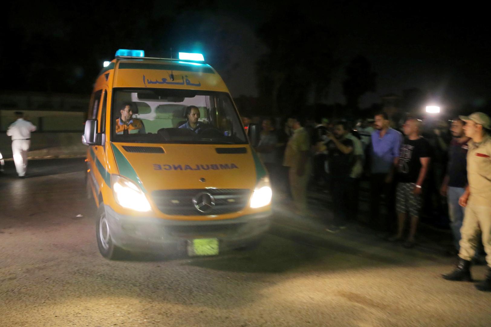 انتشال جثمان سيدة واستمرار البحث عن 4 مفقودين أسفل أنقاض عقار الإسكندرية المنهار