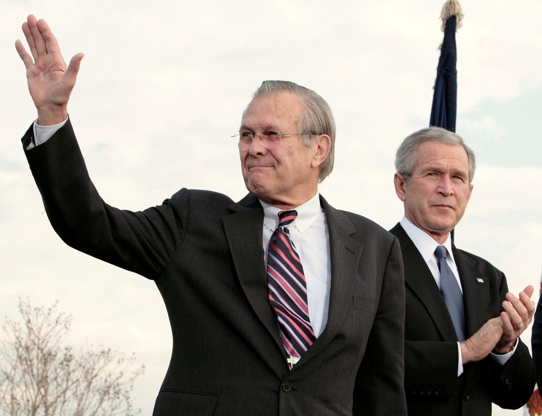 بوش ناعيا رامسفيلد: الولايات المتحدة أكثر أمانا بفضله