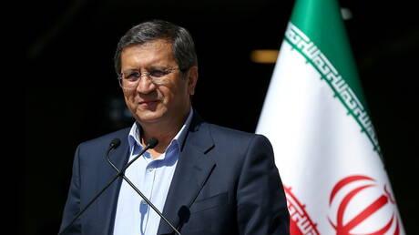 همتي يحذر من عقوبات إضافية في حال فوز المحافظين في الانتخابات الإيرانية