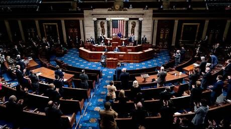 النواب الأمريكي يصوت لصالح إلغاء تفويض الرئيس باستخدام القوة العسكرية في العراق