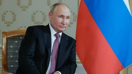 """بوتين يستعرض محطات تطور الأوضاع في أوروبا ويكشف منابت """"الفاجعة الأوكرانية عام 2014"""""""