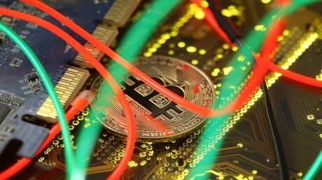 إيران تصادر 7000 جهاز كمبيوتر تستخدم في تعدين العملات المشفرة
