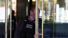 إصابة حوالي 900 من موظفي الخدمة السرية الأمريكية بكورونا