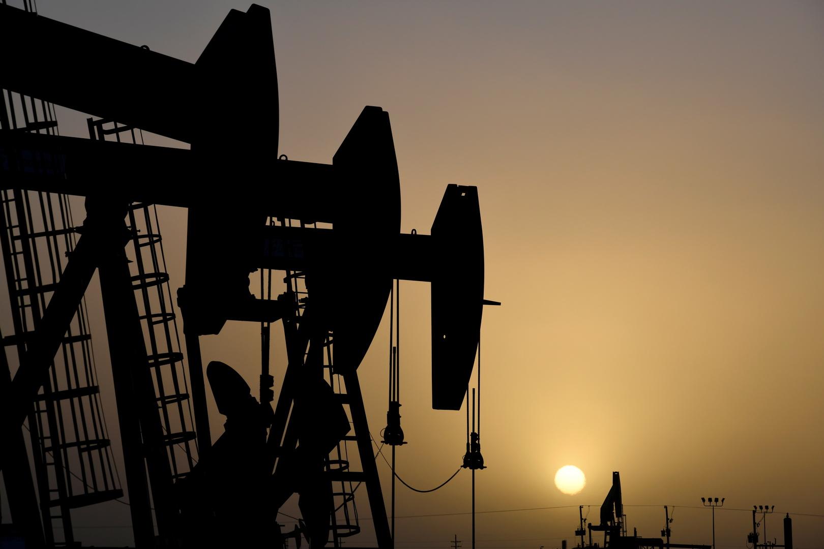 ارتفاع أسعار النفط قبيل قرار