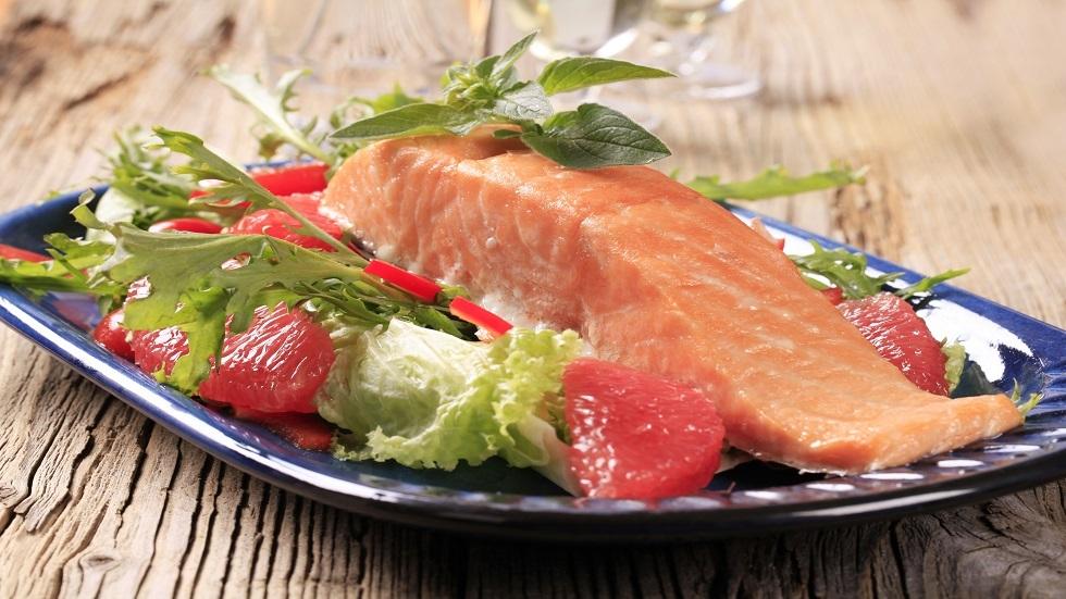 كيف نعالج الصداع النصفي بالتغذية؟