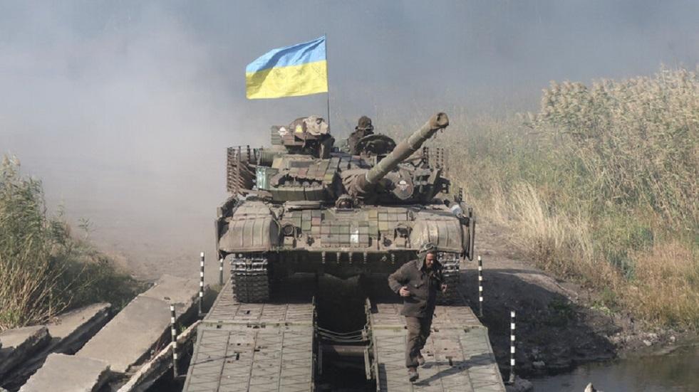 واشنطن تعلق مساعدات عسكرية لأوكرانيا بقيمة 100 مليون دولار