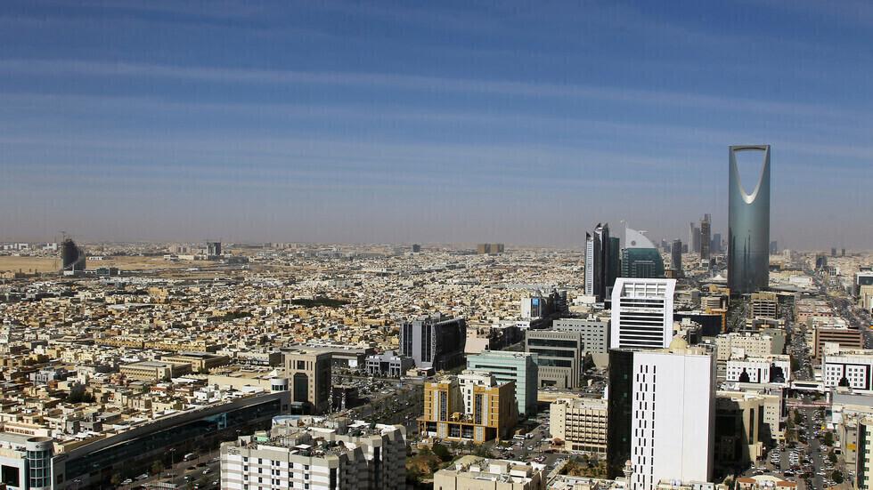 السعودية تسجل 1534 إصابة و13 وفاة جديدة بكورونا