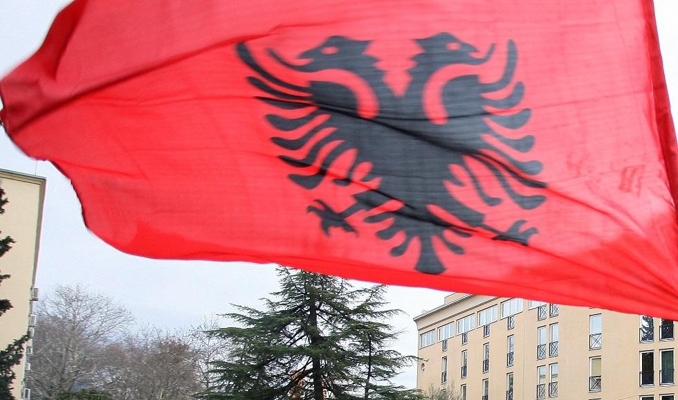 ألبانيا تشتبه بتجسس مواطنين روسيين و5 تشيكيين على تدريبات للناتو