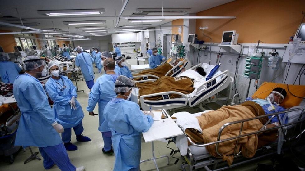 البرازيل تسجل 54556 إصابة و1635 وفاة بكورونا