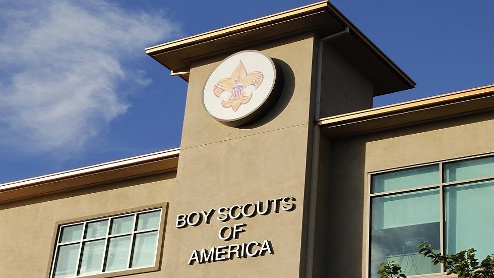 الكشافة الأمريكية تتوصل لتسوية بقيمة 850 مليون دولار مع ضحايا الاعتداء الجنسي
