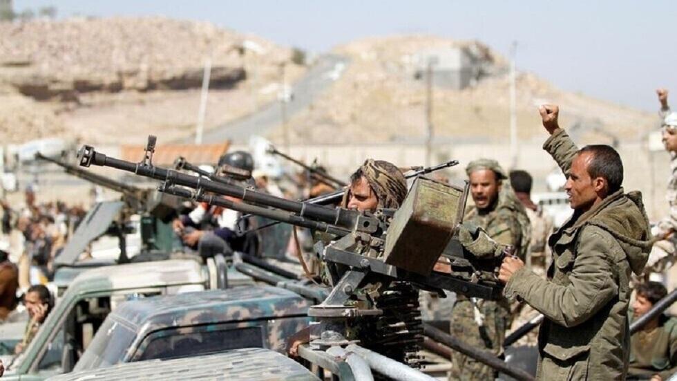 شاهد.. المتحدث العسكري للحوثيين ينشر فيديو عملية استطلاع من داخل معسكر الوديعة قبل استهدافه