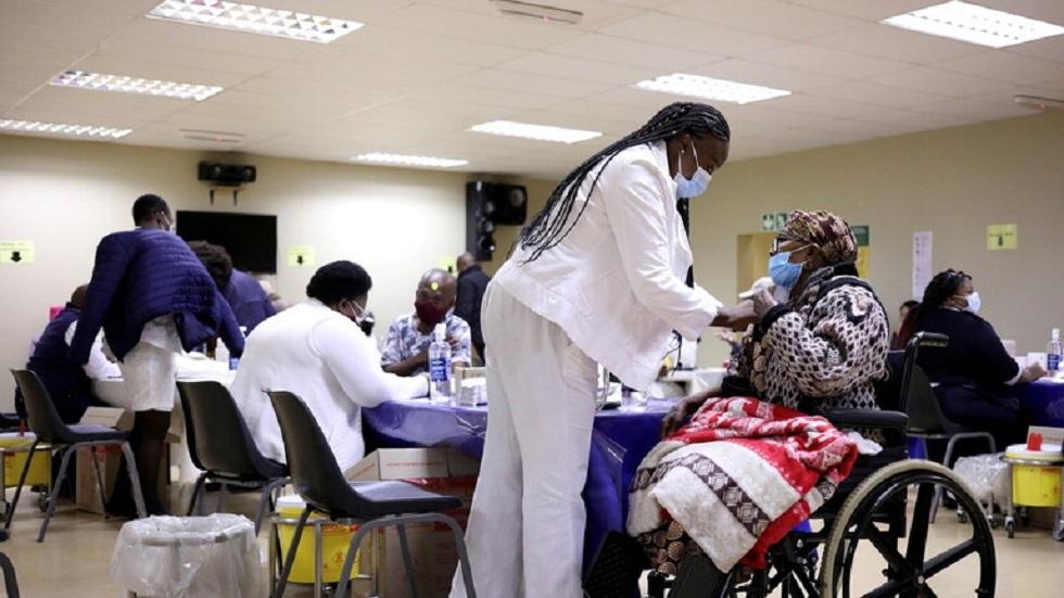 جنوب إفريقيا تسجل أعلى حصيلة يومية بإصابات كورونا منذ بدء الجائحة
