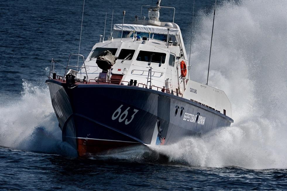 زورق صاروخي روسي يتوجه لإغاثة سفينة أوكرانية في البحر الأسود