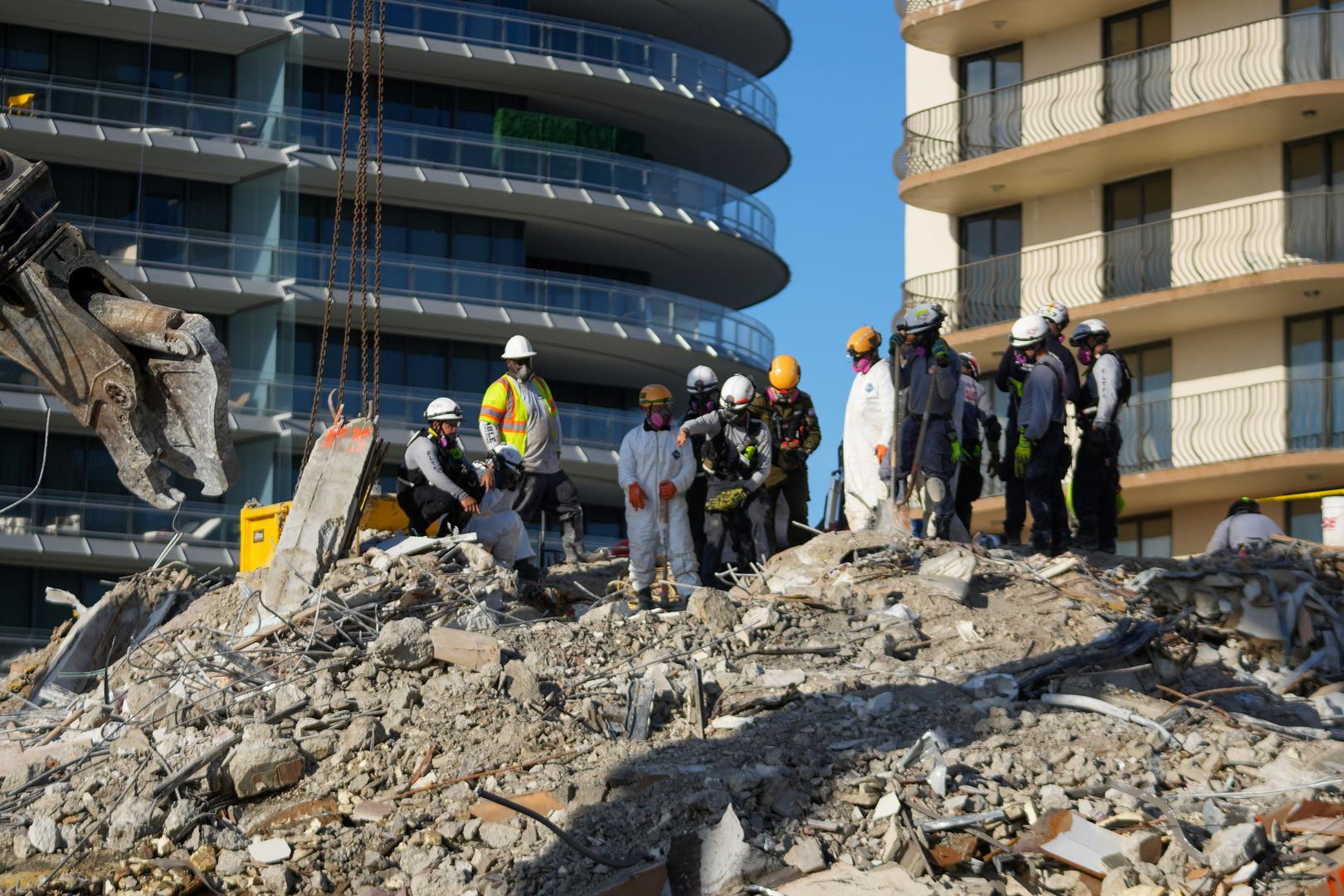 الولايات المتحدة.. ارتفاع حصيلة ضحايا مبنى فلوريدا المنكوب إلى 24 شخصا