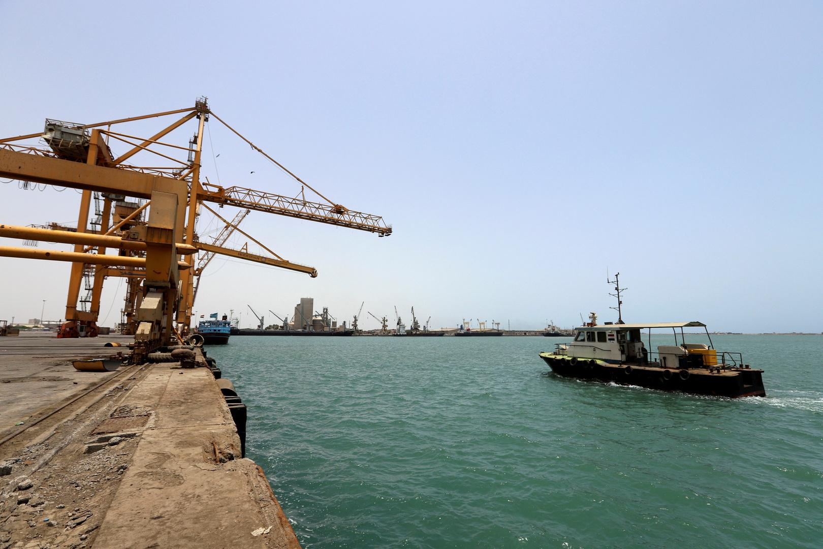 التحالف العربي يعلن إحباط هجوم جديد من الحوثيين في البحر الأحمر