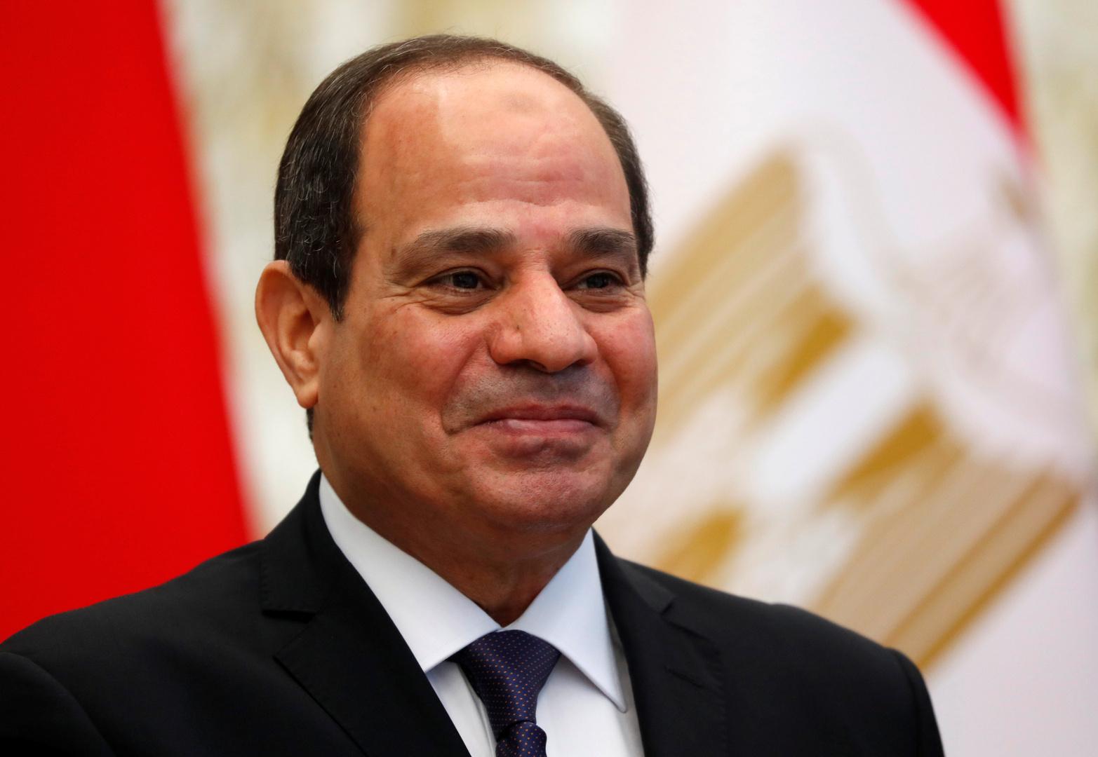 ضابط مصري أمام السيسي مستشهدا بحافظ إبراهيم: