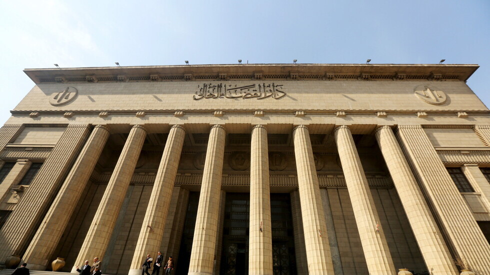 مصر.. تأجيل محاكمة شقيق رجل أعمال متهم بالانضمام إلى