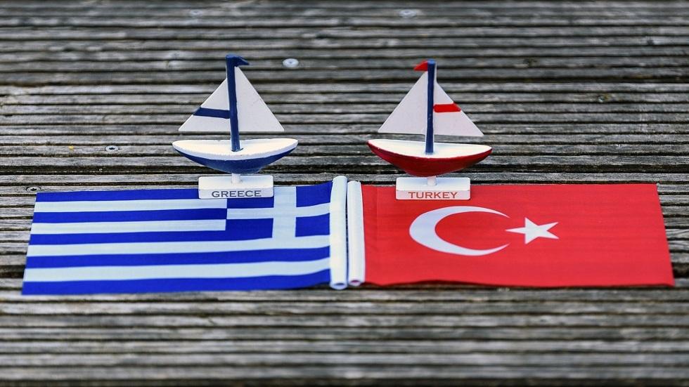 اليونان تدعو ألمانيا لحظر تزويد تركيا بمكونات الغواصات البحرية
