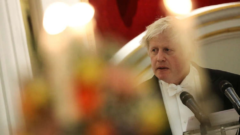 جونسون يكشف خططه لرفع آخر القيود الصحية في بريطانيا