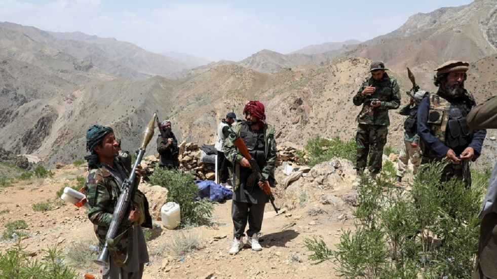 أكثر من ألف عسكري أفغاني دخلوا إلى طاجيكستان فرارا من