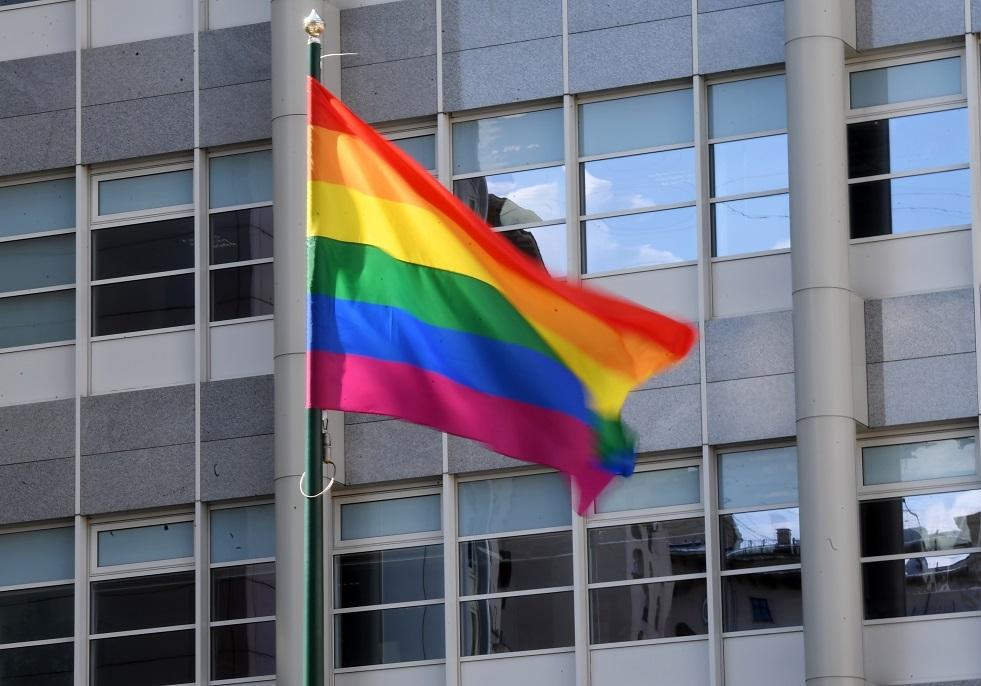 معارضو الجماعات المثلية يغلقون شارعا مركزيا في تبليسي