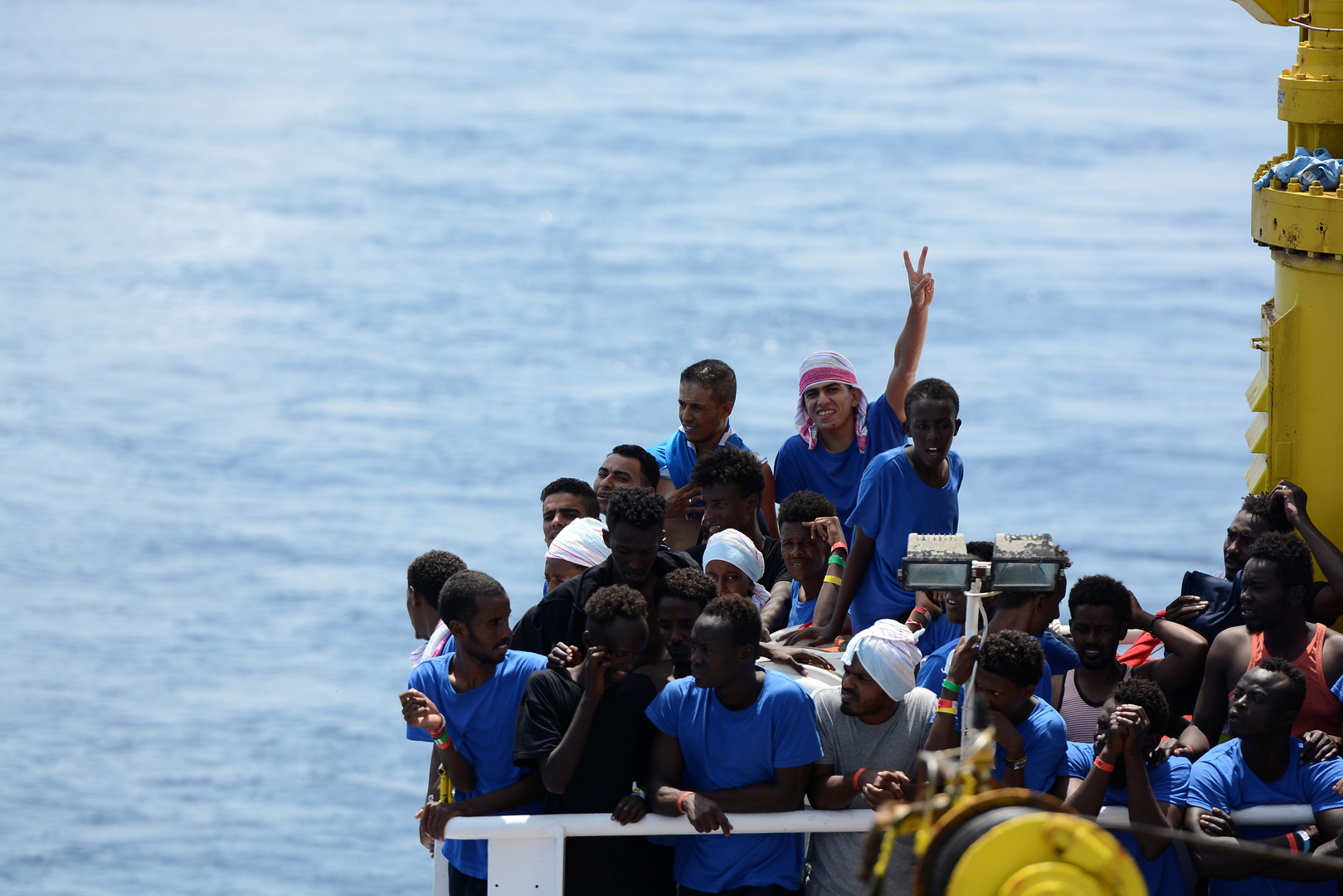 سفينة أنقذت مئات المهاجرين تبحث في