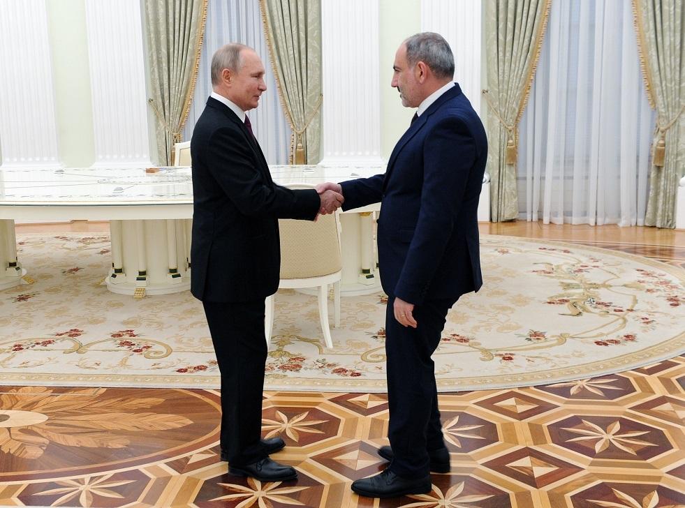 بوتين يلتقي مع باشينيان في موسكو غدا