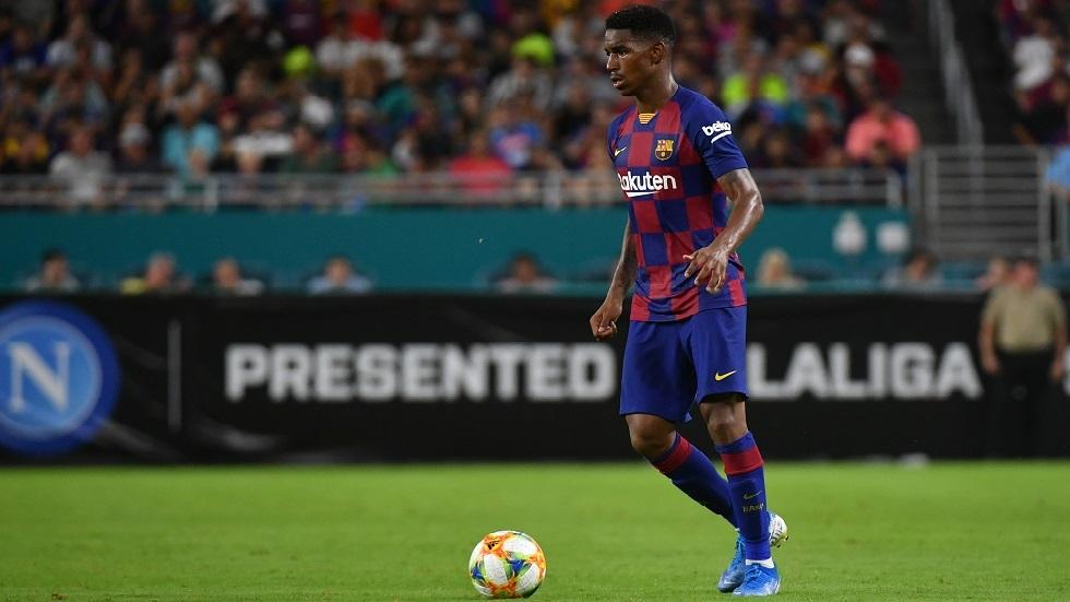 ليدز يضم المدافع فيربو من برشلونة