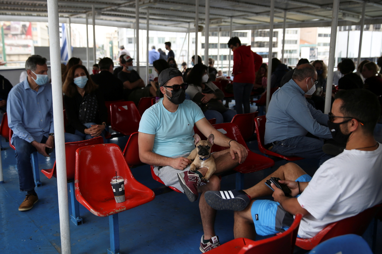 اليونان تسجل قفزة جديدة في إصابات كورونا بعد تراجع استمر أسابيع