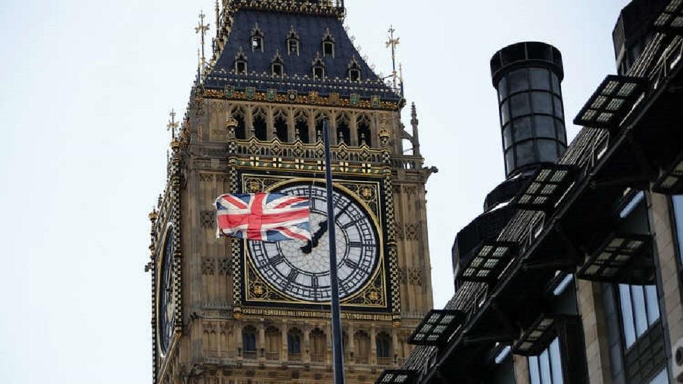 بريطاني ادعى الشلل للحصول على تعويض ضخم وتسجيل مصور فضح أمره (فيديو)