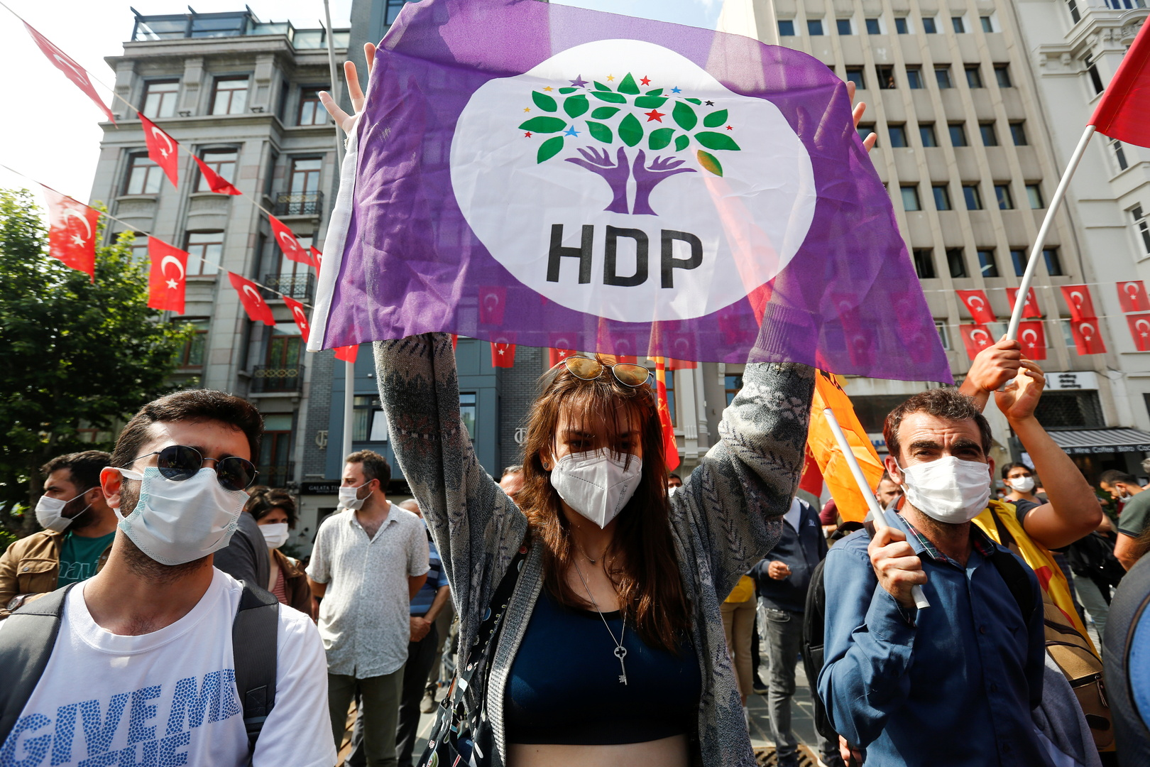 تركيا تفرج عن برلماني سابق مؤيد للأكراد