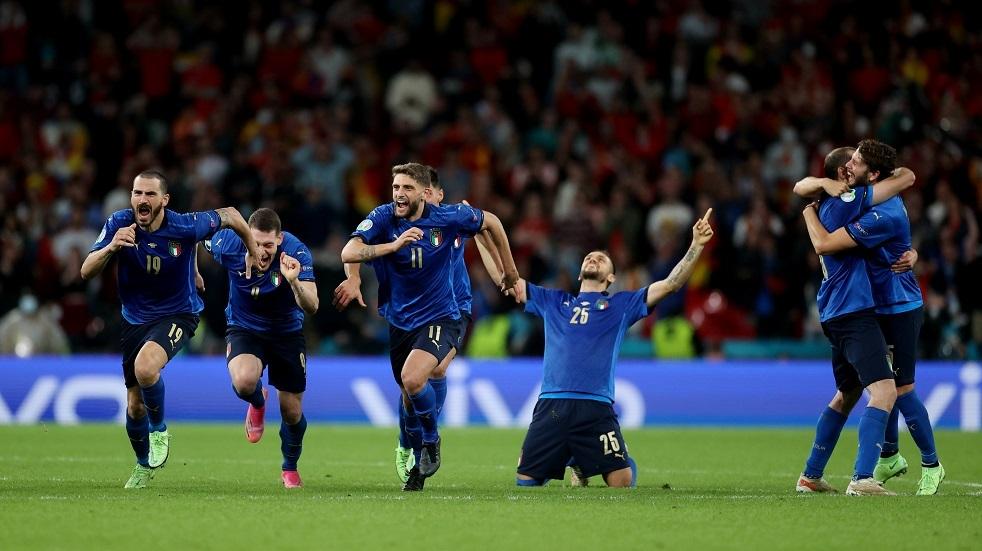 إيطاليا تهزم إسبانيا وتبلغ نهائي