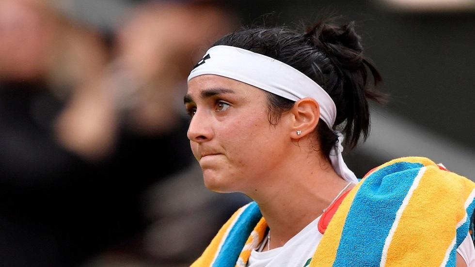 التونسية أنس جابر تفقد أعصابها وتنفعل على مشجع في