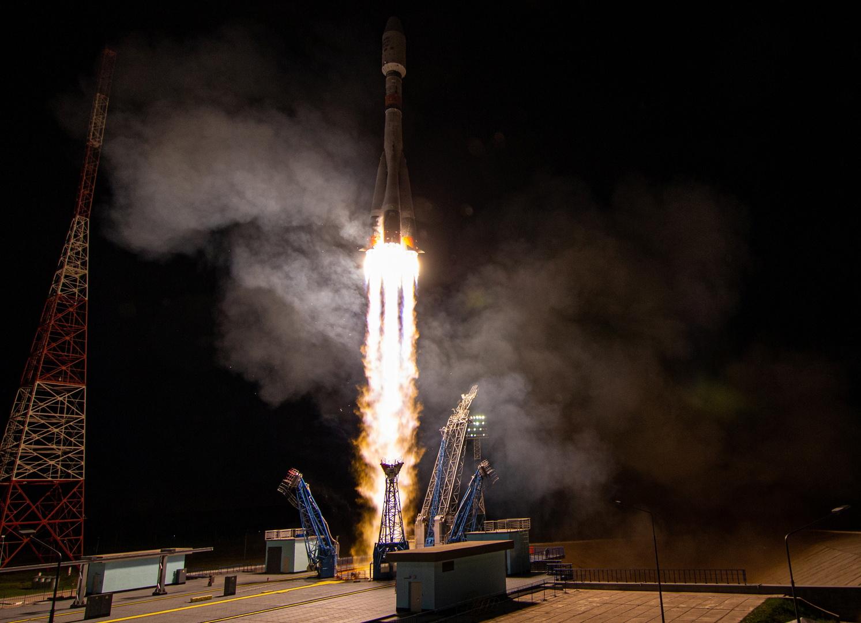 صاروخ معزز بأقمار صناعية لشركة