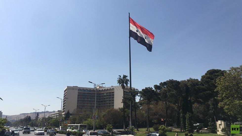 رئيس حزب سياسي في سوريا: ما يطرح اليوم عن حل