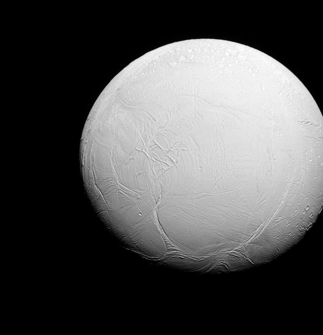 إنسيلادوس، قمر كوكب زحل