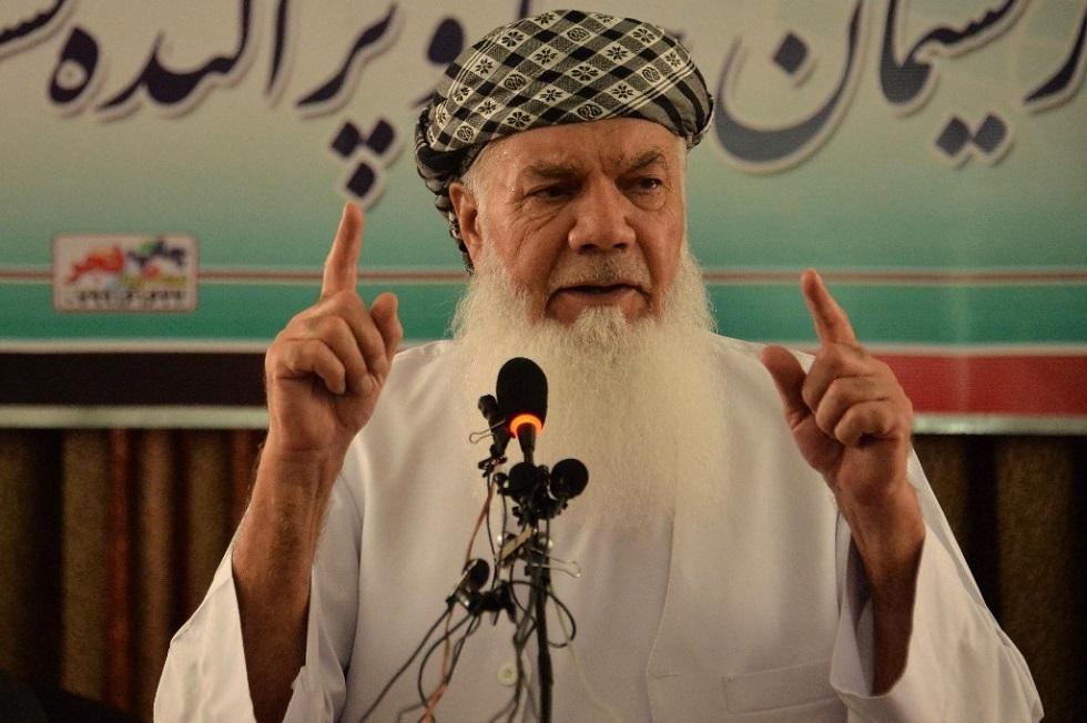 القائد الأفغاني البارز محمد إسماعيل خان