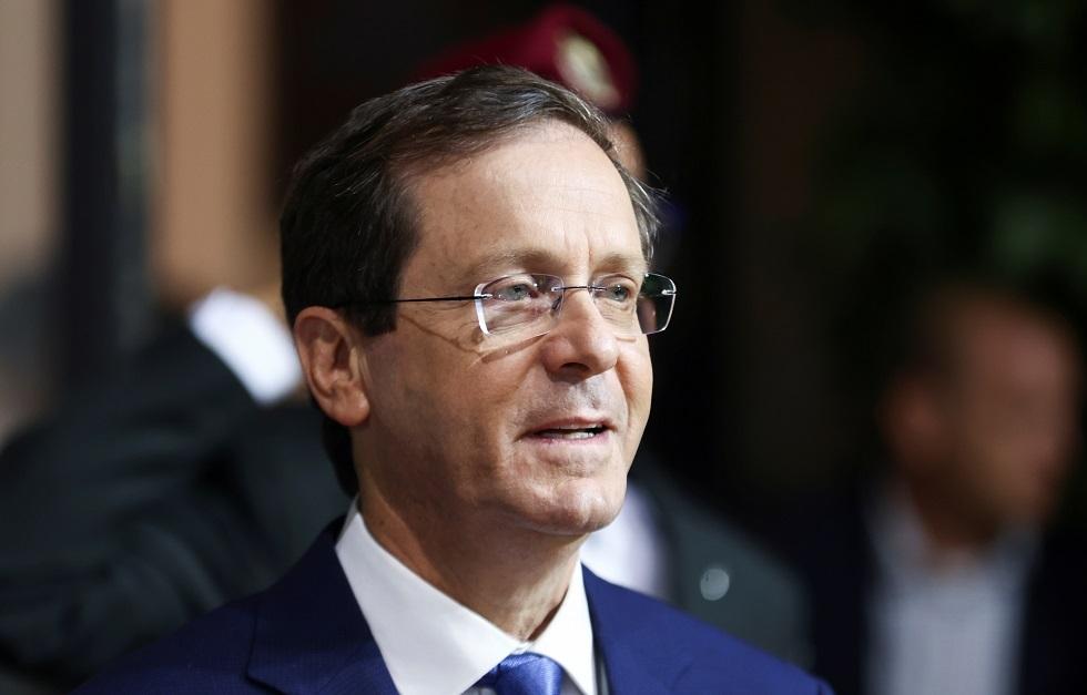 الرئيس الإسرائيلي الجديد ينعى جيهان السادات باللغة العربية