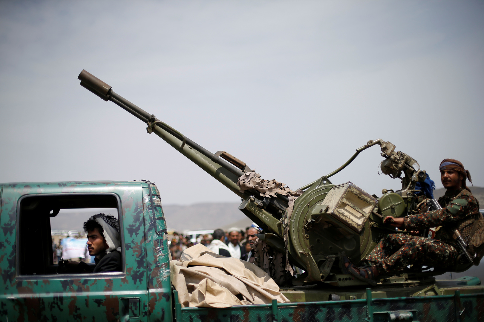 حكومة هادي والحوثيون يعلنون إحرازهم تقدما ميدانيا في البيضاء