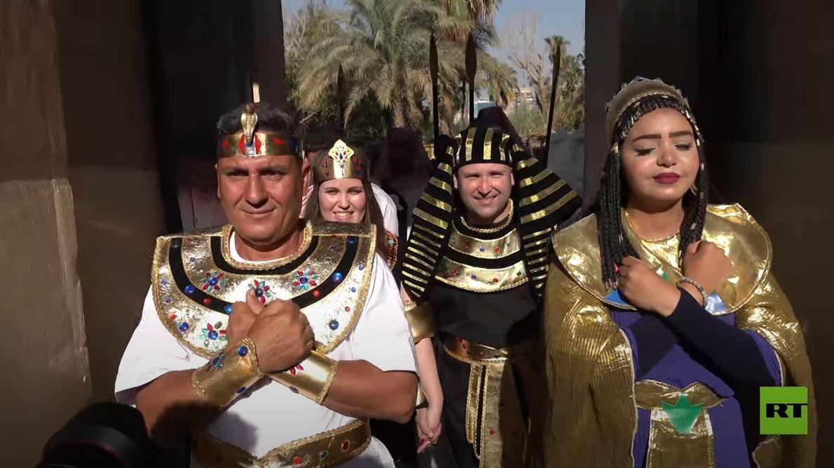 عرس برازيلي على الطريقة المصرية القديمة قرب القاهرة