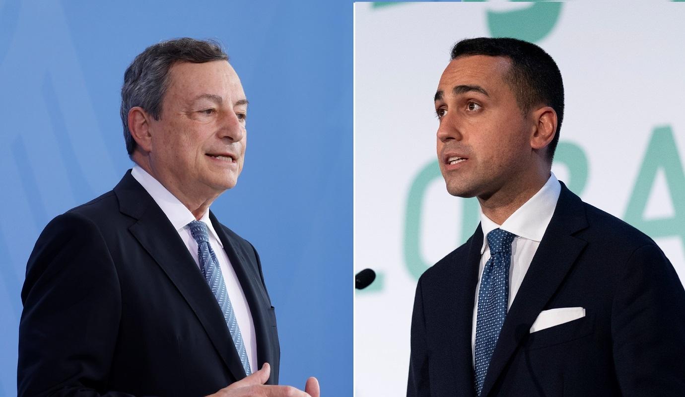 رئيس الوزراء الإيطالي ماريو دراغي (يسار) ووزير خارجية بلاده لويجي دي مايو