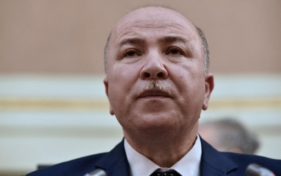 رئيس وزراء الجزائر يتعافى من