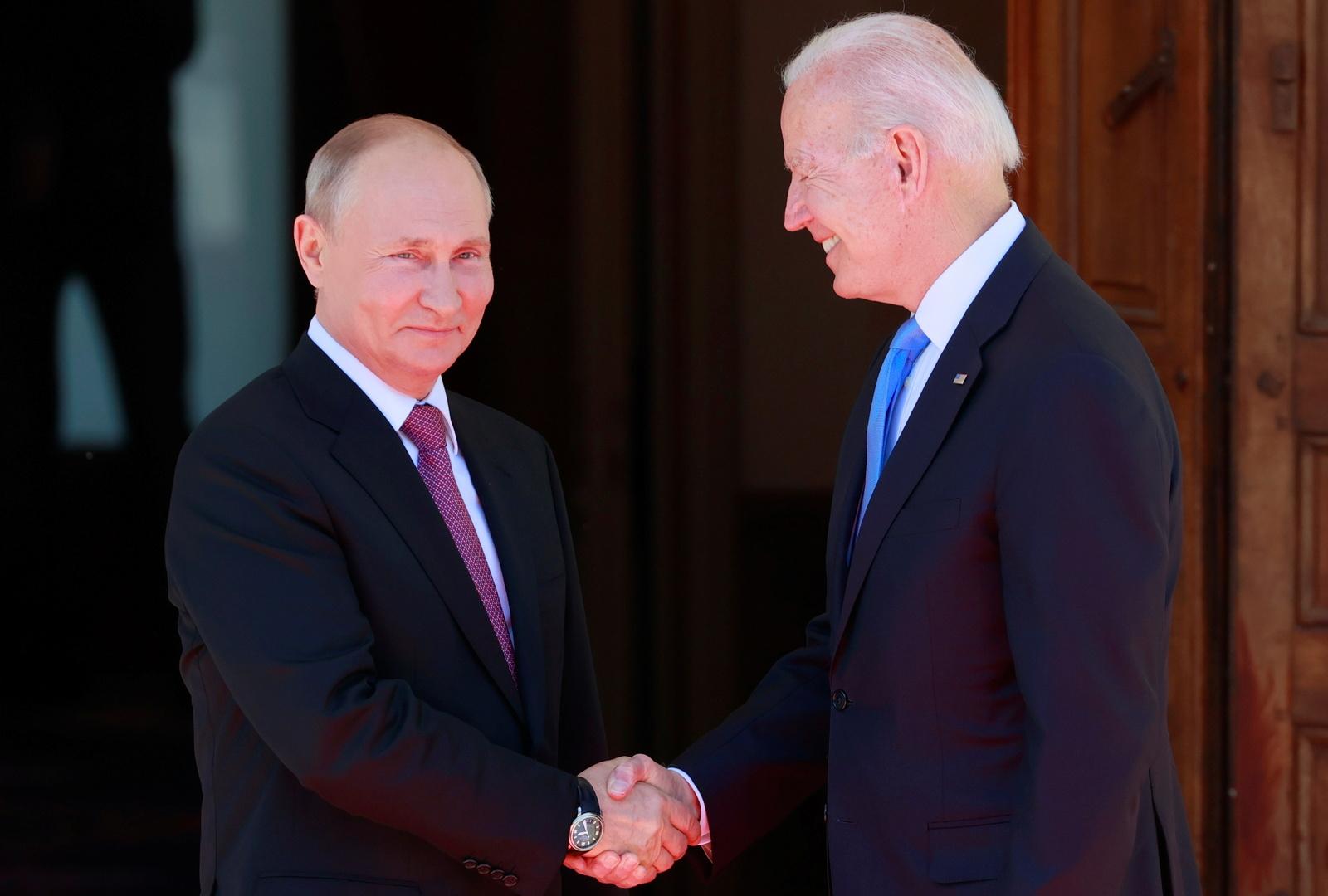 بومبيو: بوتين يرى ضعف بايدن.. ويجب أن يكون أكثر صرامة مع روسيا