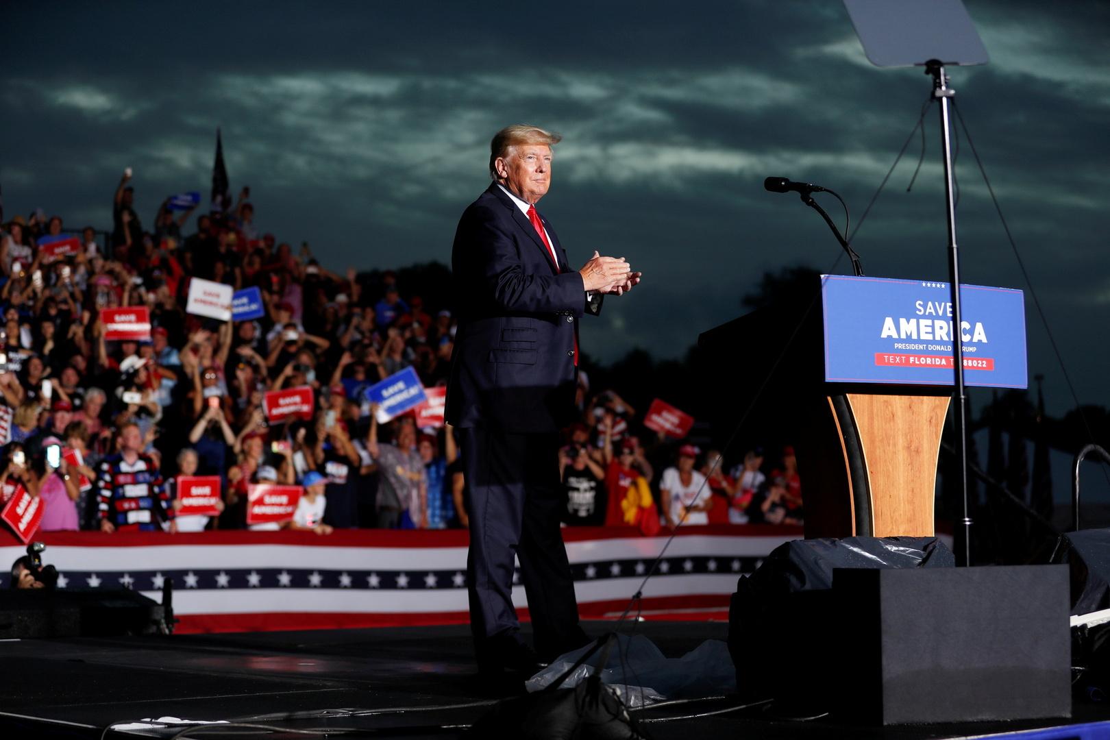 كاتب صحفي: عدم ارتداء ترامب للكمامة غيّر اتجاه السباق الرئاسي