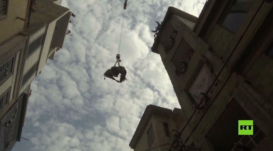 بالفيديو.. أهالي كراتشي يستعدون لعيد الأضحى على طريقتهم