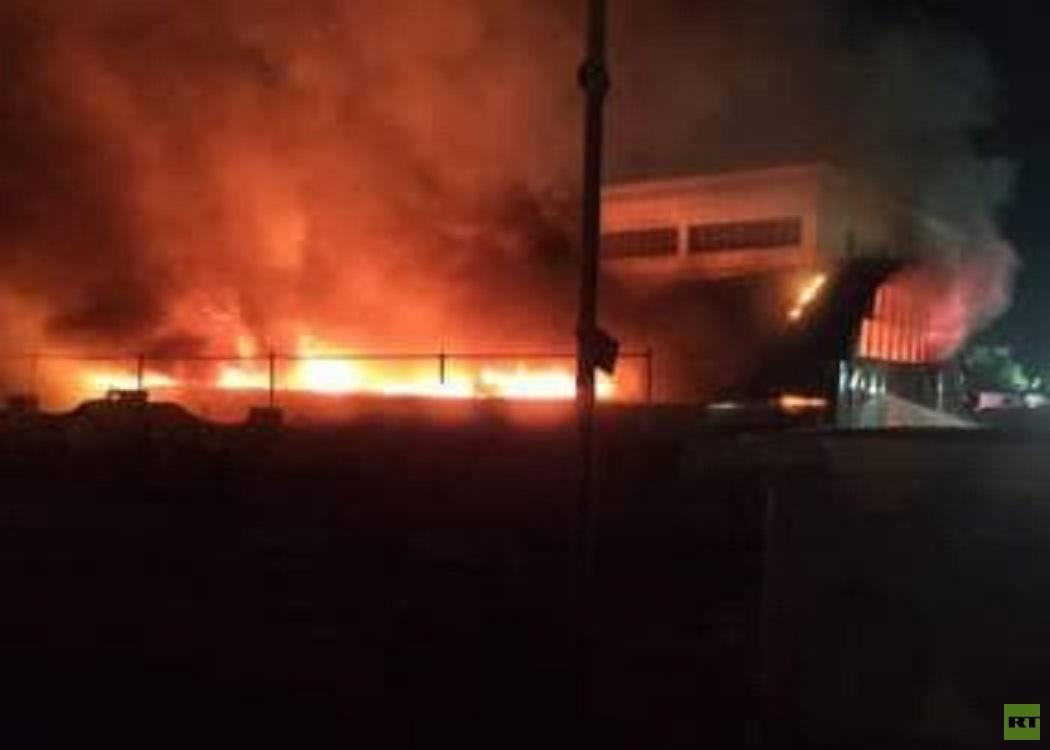 مصرع نحو 54 شخصا في حريق مركز لمصابي كورونا جنوبي العراق (فيديو)