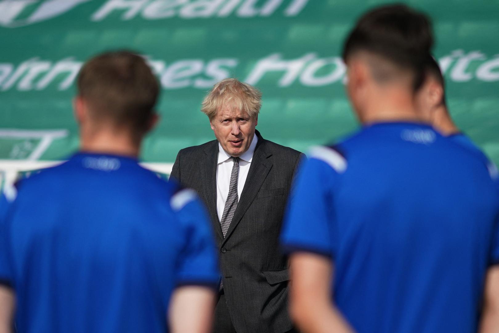 جونسون في موقف حرج بسبب العنصرية ضد لاعبي المنتخب الإنجليزي