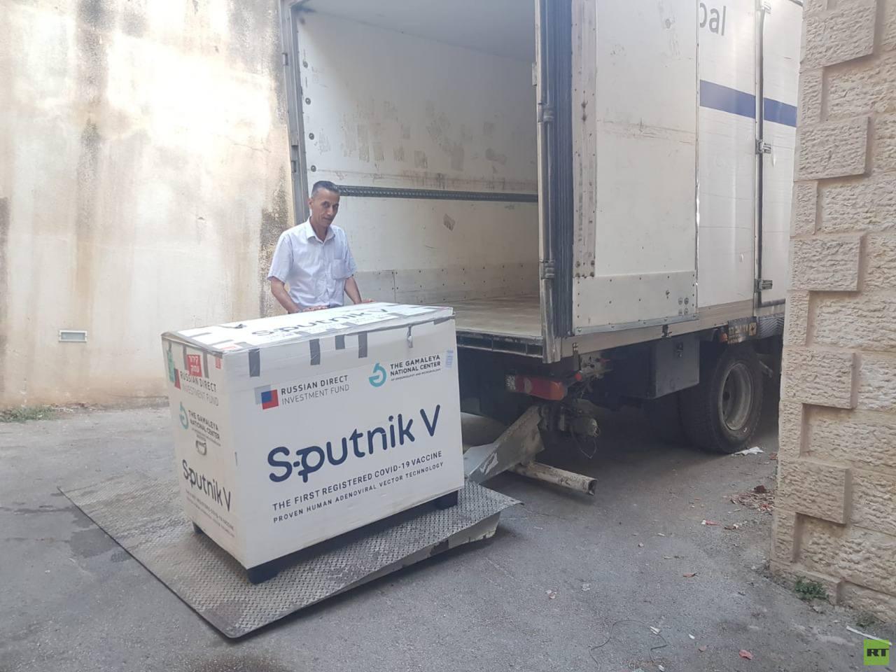 الصحة الفلسطينية: إرسال 109 آلاف جرعة لقاح مضاد لكورونا إلى مراكز وزارة الصحة في غزة