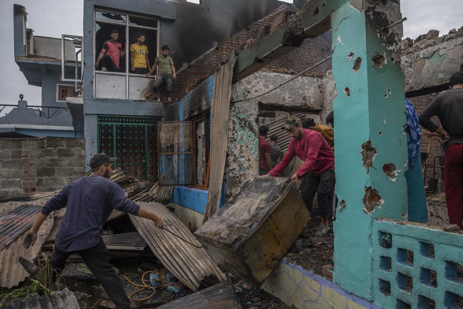 اشتباكات بين سكان في كشمير مع القوات الهندية بعد مقتل 3 أشخاص